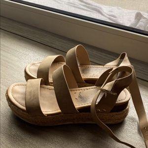Charlotte Russe SODA platform sandals size 9